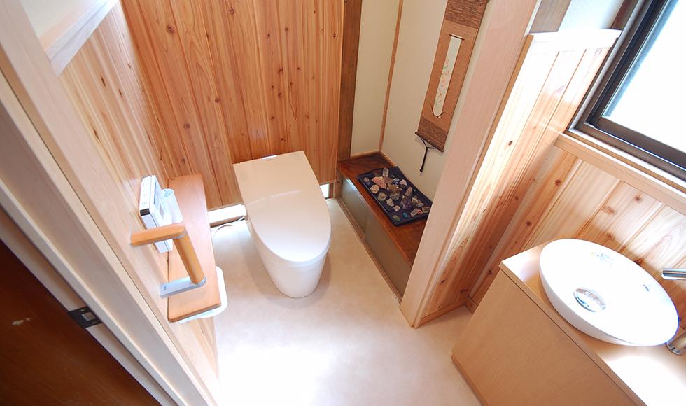 中田邸後トイレ1
